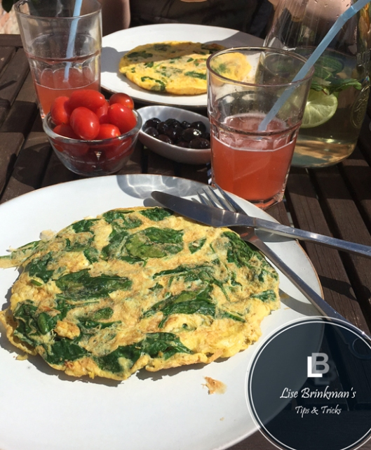 Frokost_med_rabarsaft_Lise_Brinkman